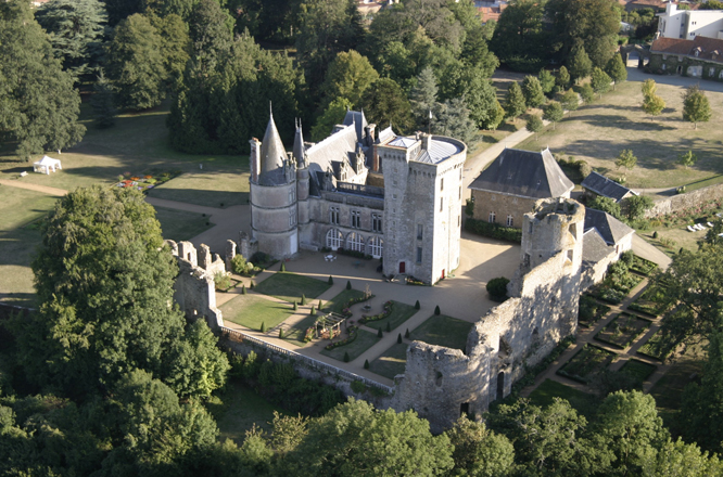 Chateau la flocelliere vendee