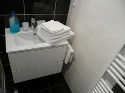 S. de bain (Ch. Côté Jardin)